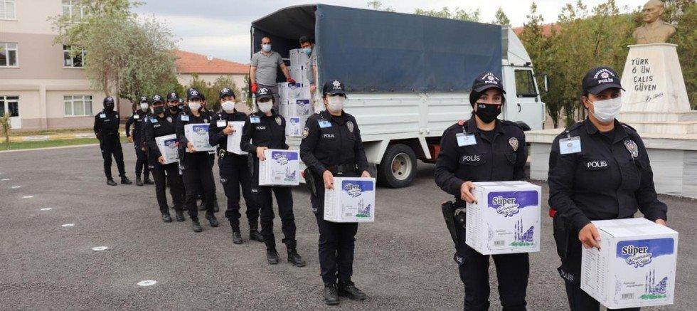 Aksaray'da Polis adaylarından anlamlı yardım