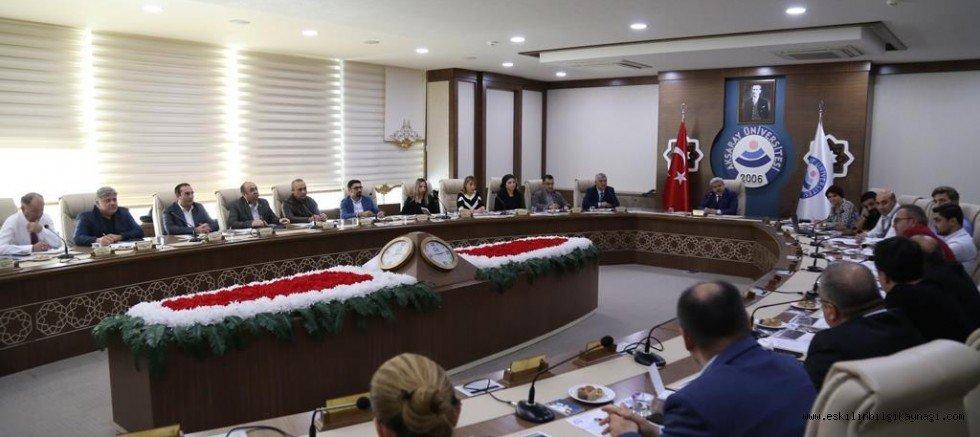 ASÜ-Mercedes İşbirliği Yeni Bir Boyut Kazanıyor