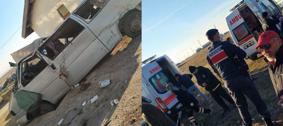 Sultanhanı İlçesinde Güvenlik Görevlilerinin Bulunduğu Araç Kaza Yaptı.