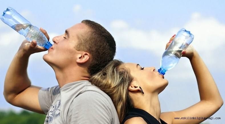 Uyanır Uyanmaz Aç Karnına İçtiğimiz Suyun Vücudumuzda Yarattığı 8 Etkiye Çok Şaşıracaksınız